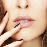 Adele_Lips
