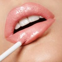 Adele-Uddo-lipgloss1